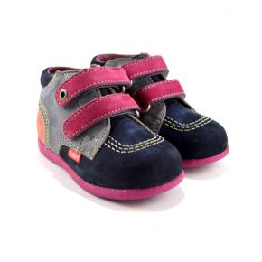 scarpe rosa con doppio strappo