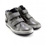 sneakers con strappo
